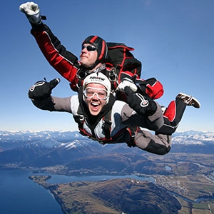 TANDEM SKYDIVE – 15,000ft (60 Seconds Freefall and a 5 Min Parachute Flight)