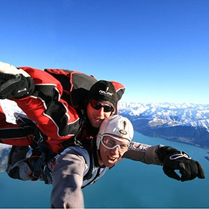 TANDEM SKYDIVE – 12,000ft (45 Seconds Freefall and a 5 Min Parachute Flight)